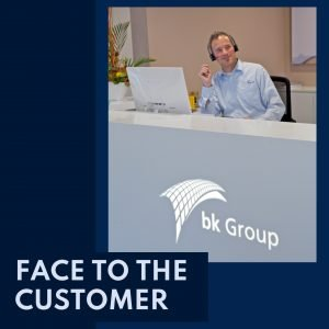 Face to the customer